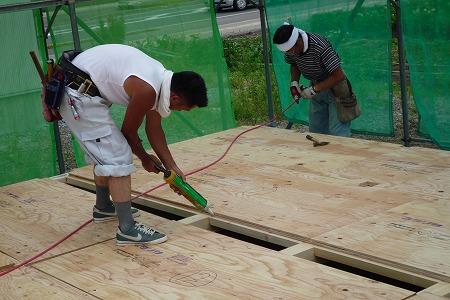 構造材床合板張り