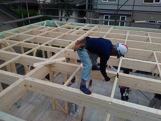 建て方一日目(旭川近郊の工務店ならミヤザキホーム)