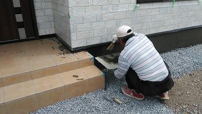 基礎モルタル掃き付け(旭川近郊の工務店ならミヤザキホーム)