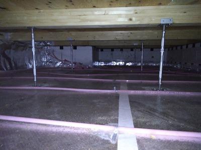 床下清掃(旭川近郊の工務店ならミヤザキホーム)