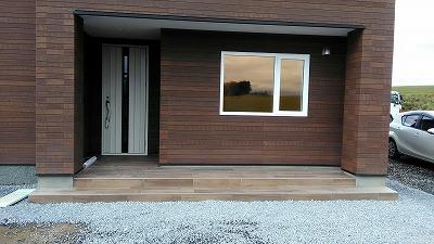 玄関タイル完成(旭川近郊の工務店ならミヤザキホーム)