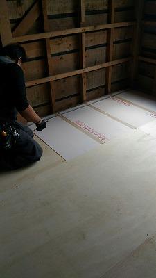 床張り(旭川近郊の工務店ならミヤザキホーム)