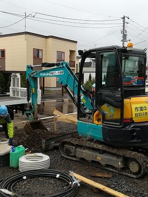 先行給排水管 埋設工事(旭川近郊の工務店ならミヤザキホーム)