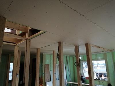 天井ボード張り(旭川近郊の工務店ならミヤザキホーム)