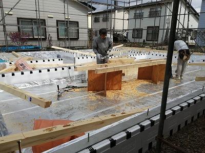 土台敷き(旭川近郊の工務店ならミヤザキホーム)