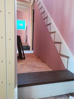 階段取り付け(旭川近郊の工務店ならミヤザキホーム)